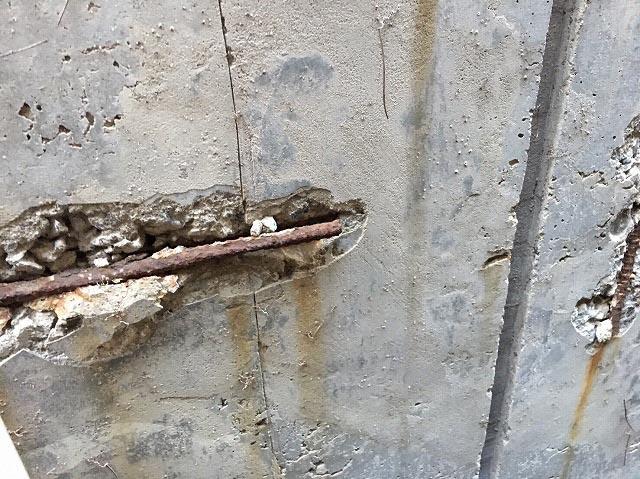 基礎コンクリートの爆裂現象