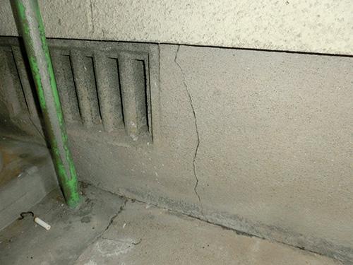 基礎コンクリートのひび割れ